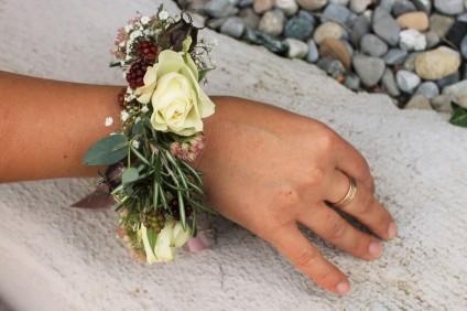 Blumenarmband der Trauzeugin